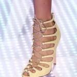 Обувки с шнурове