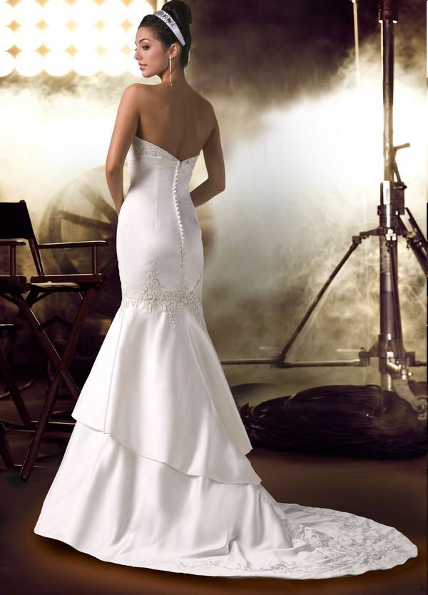 Стилна булчинска рокля