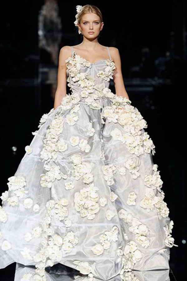Страхотна булчинска рокля