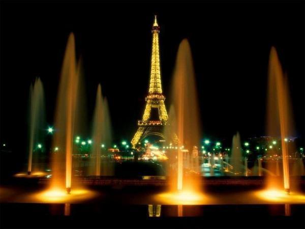 Айфеоловата кула в Париж