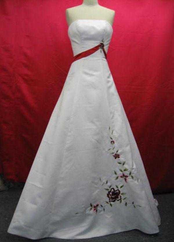 А образна булчинска рокля