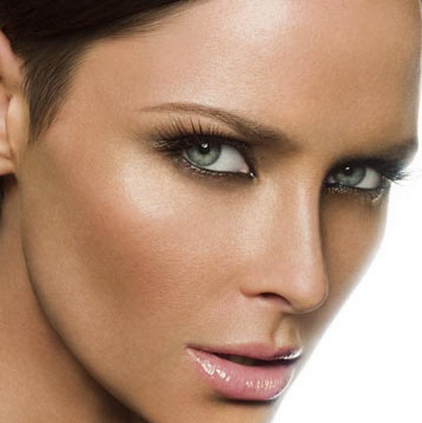 Зелени контактни лещи