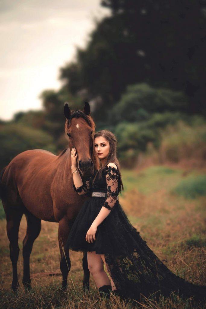 малка черна рокля стрийт стил